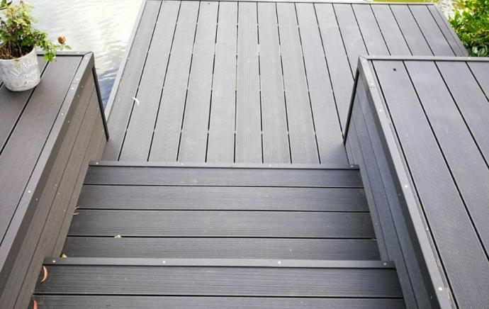 How to choose your Composite Decking Board Colour.