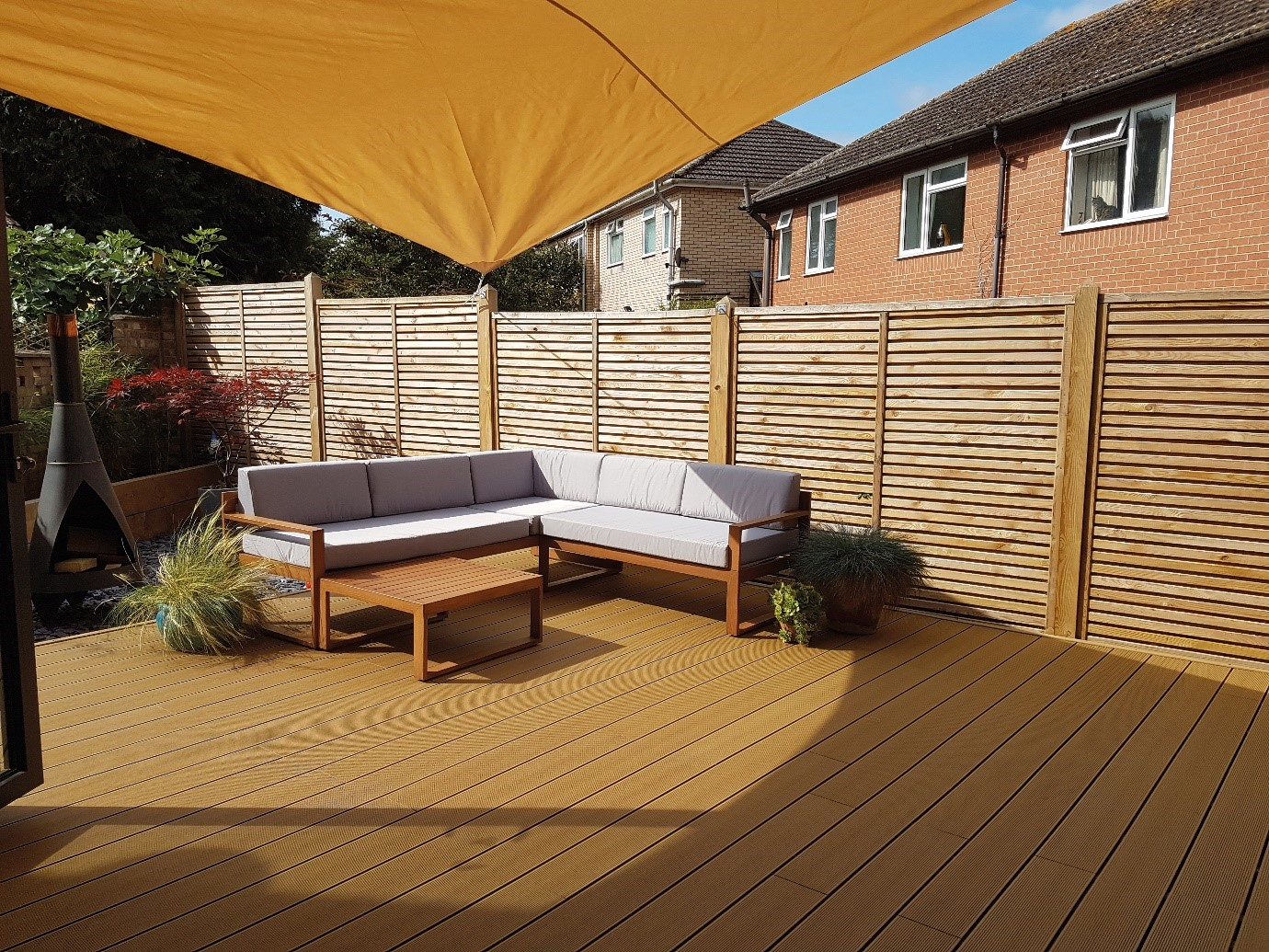 Hollow vs solid composite decking, what's the difference?